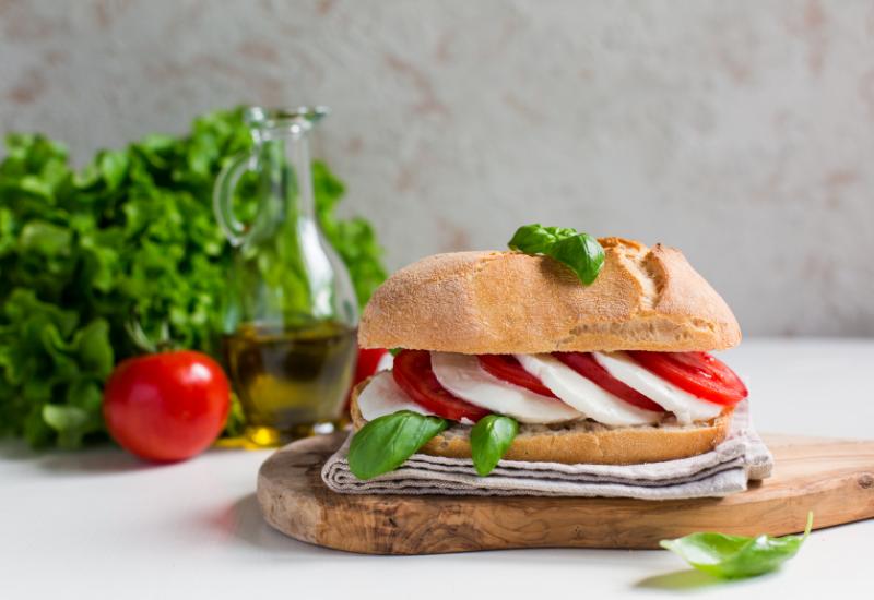 caprese sandwich picnic recipe